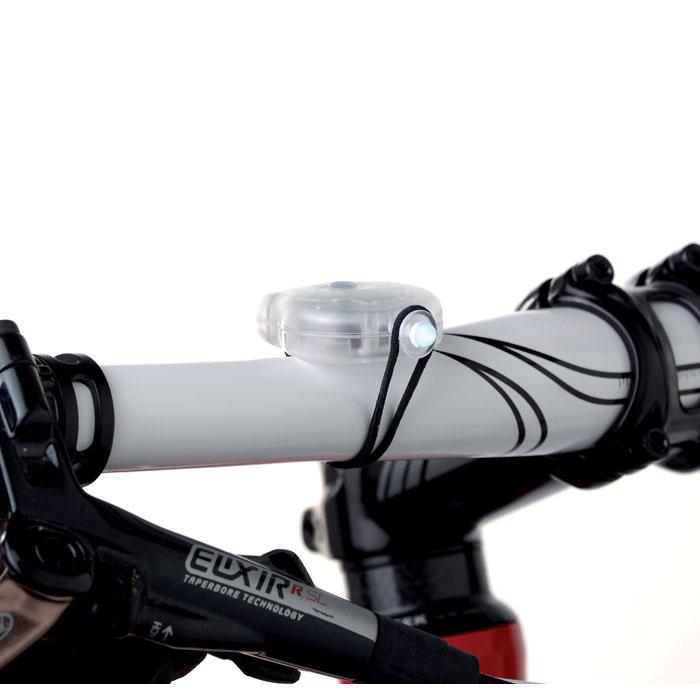 2 фонарика для велосипеда
